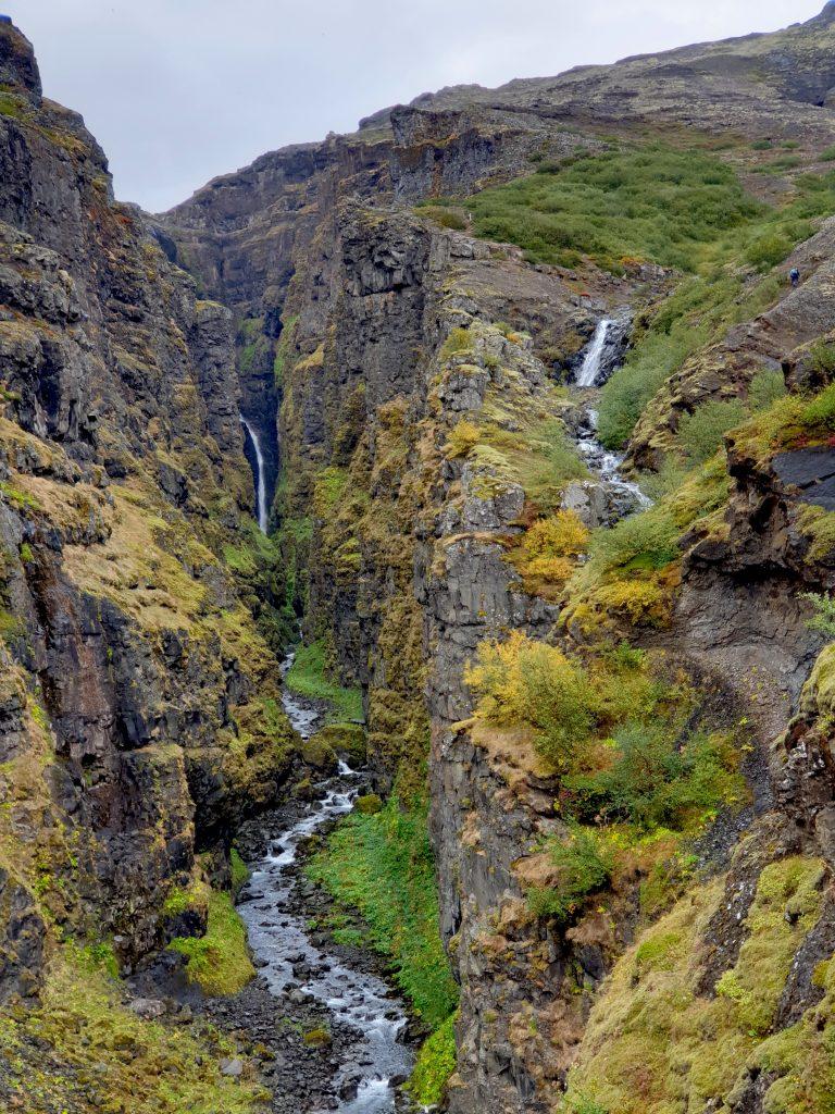 Island - Botnsdalur - Westisland - Wasserfall - Schlucht