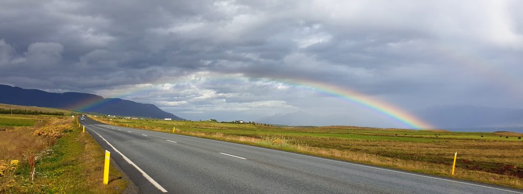 Island - Nordsland - Akureyri - Regenbogen