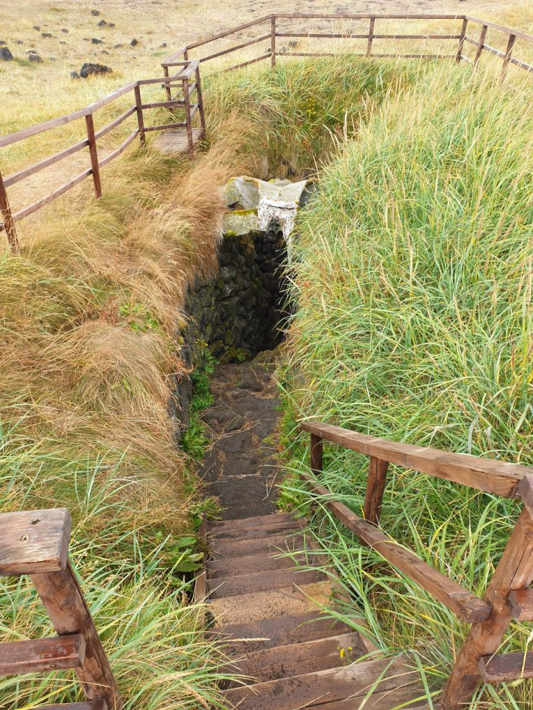 Island - Der Westen - Írskrabrunnur