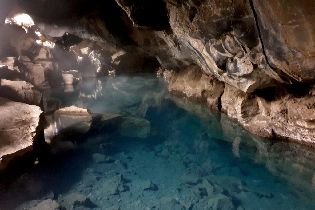 Island - Der Norden - Grjótagjá Grotte