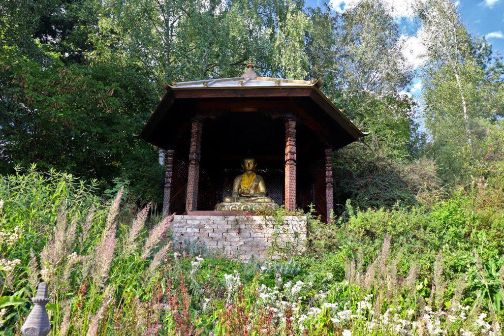 Deutschland - Wiesent - Nepal Himalaya Park - Heidegarten Buddha Eingang