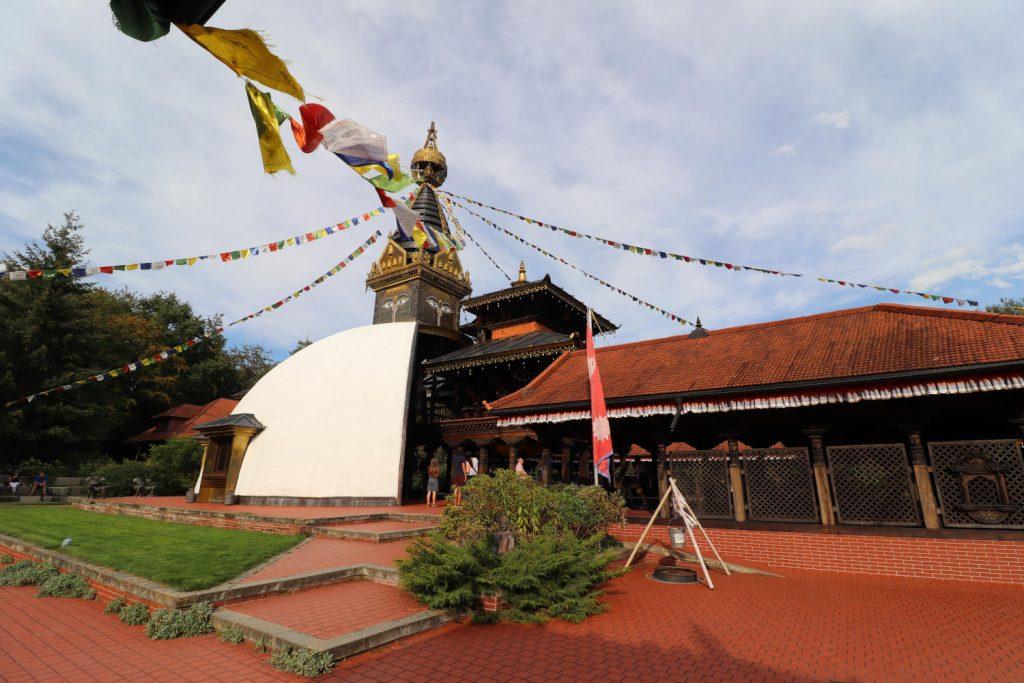 Deutschland - Wiesent - Nepal Himalaya Park - Pavillon aussen