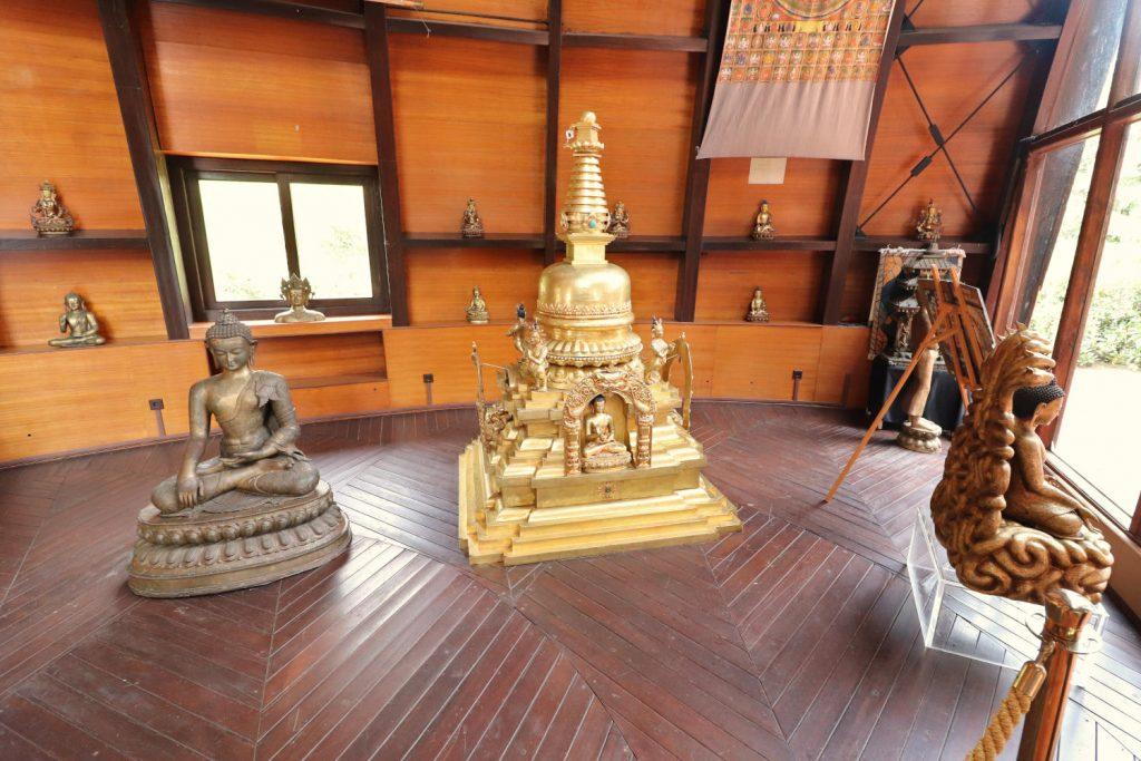 Deutschland - Wiesent - Nepal Himalaya Park - Pavillon innen Ausstellung