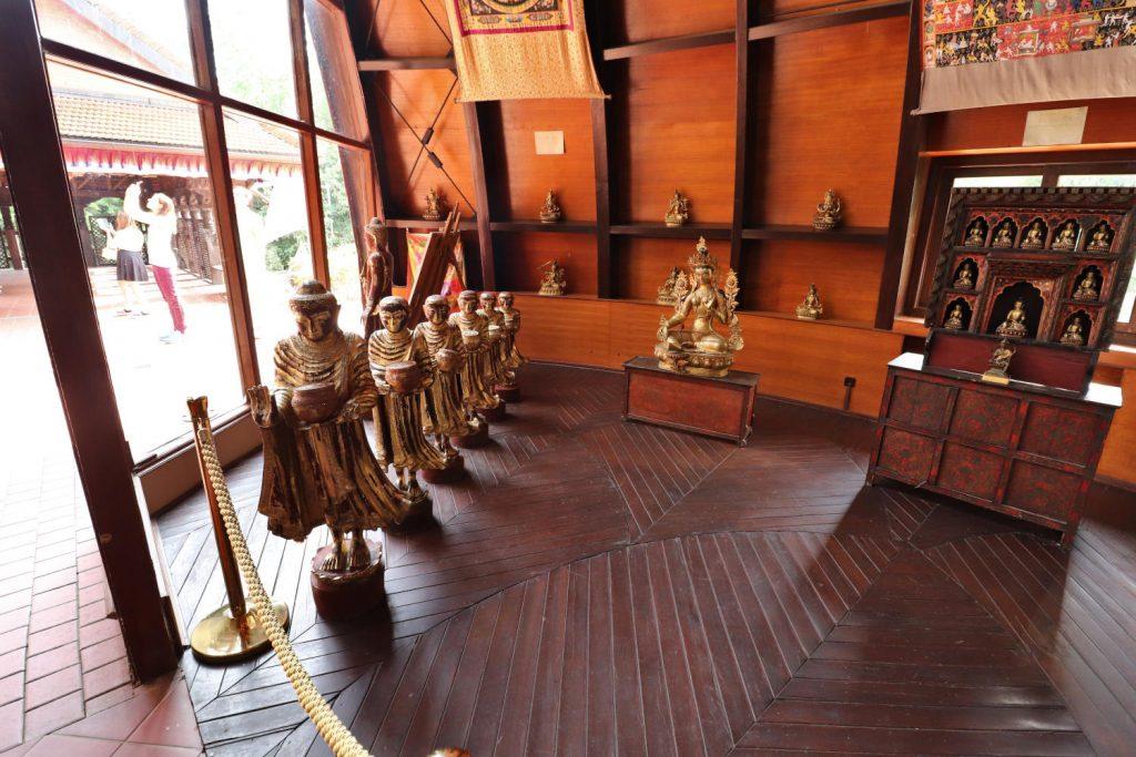Deutschland - Wiesent - Nepal Himalaya Park - Pavillon innen Ausstellung 2